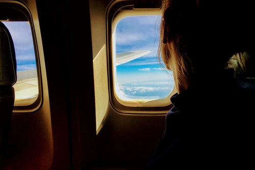 What to do on a long flight. 10 Long flight ideas on a airplane.